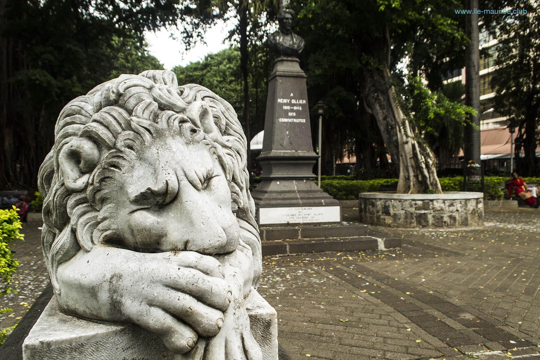 Jardin de la compagnie à Port Louis - lions